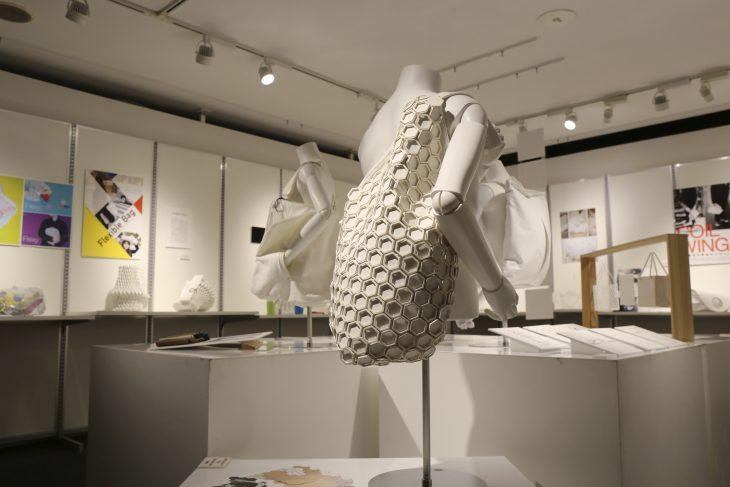 2010年から毎年開催している「モチハコブカタチ展」