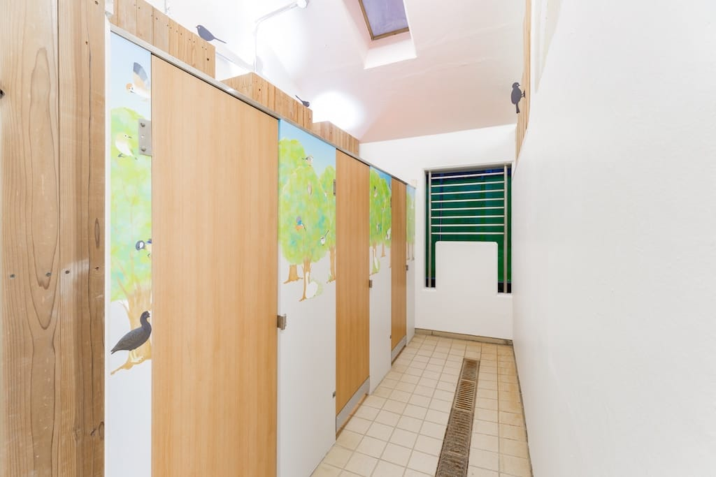 改修後のトイレ内装 (1)